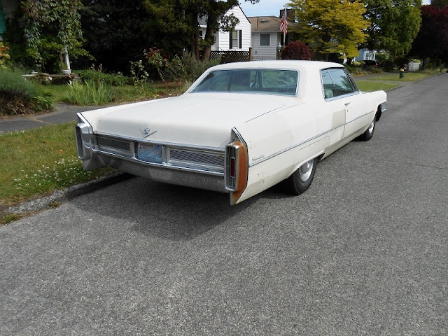 seattle 39 s parked cars 1965 cadillac coupe deville. Cars Review. Best American Auto & Cars Review