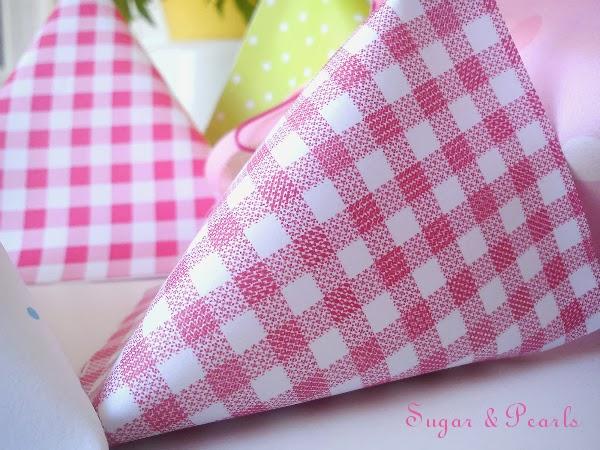 Χάρτινα τριγωνικά κουτάκια-by Sugar & Pearls