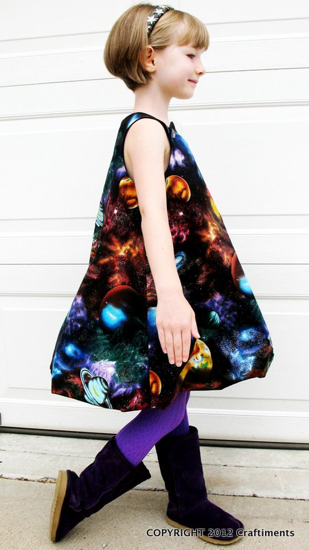 Craftiments:  Galaxy Bubble Dress side view