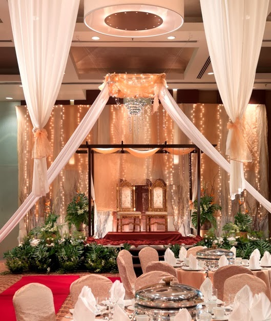 Holiday inn glemarie in shah alam decorated pelamin for a malay wedding junglespirit Images
