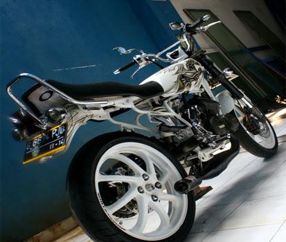 Demikianlah informasi tentang Modifikasi Motor RX King Terbaru 2014  title=