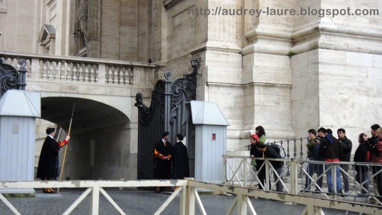 Vatican gardes suisses