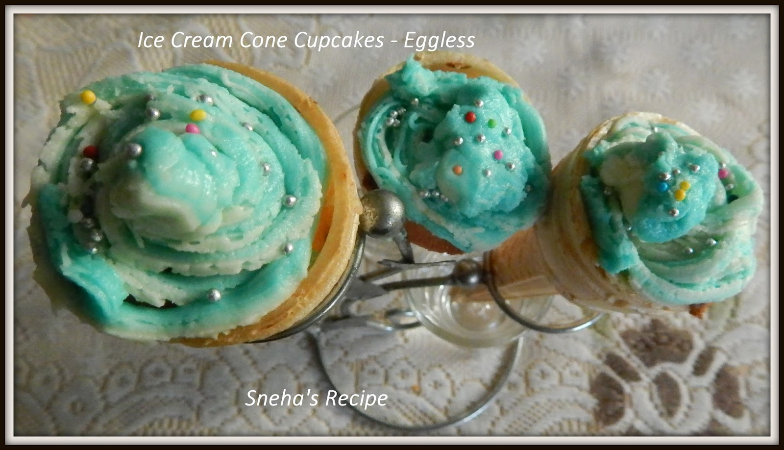 how to make blue frosting look like water