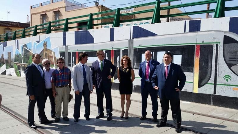 Miguel Rus conoce las vías del tranvía de Alcalá de Guadaíra