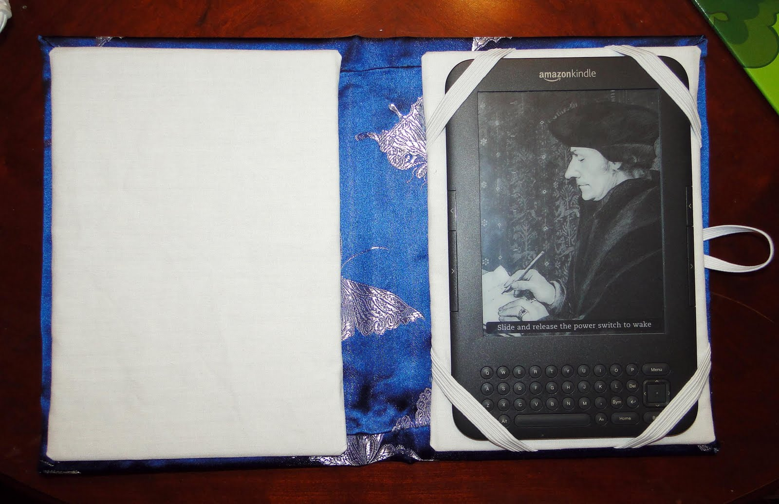 How to Make a Book Style eReader Cover recommend