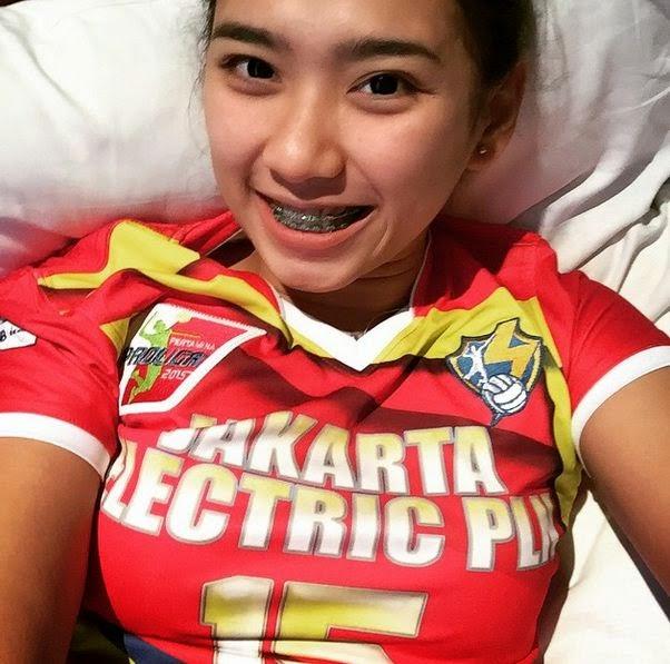 yolla yuliana pemain voli cantik asal indonesia   aand s blog