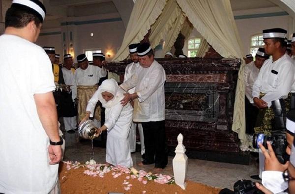 Sekitar Pemakaman Almarhum Tunku Jalil