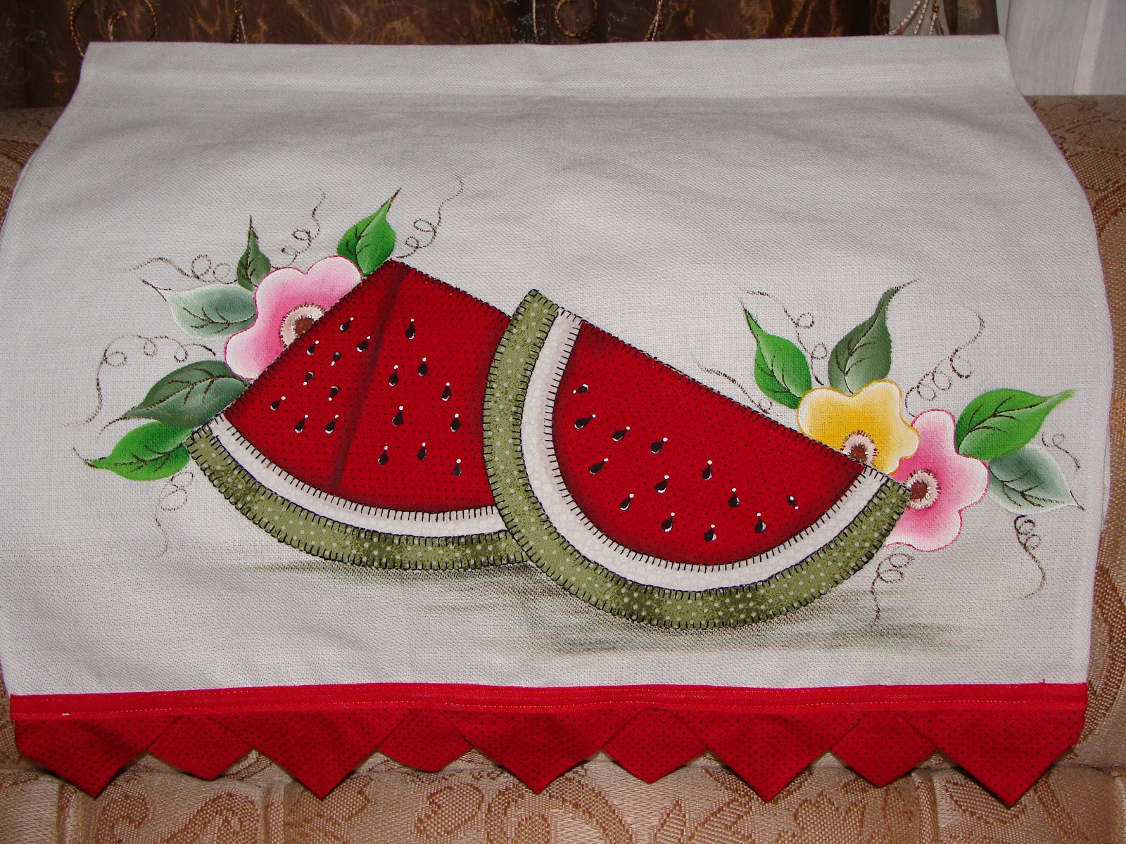 patch apliquê com pintura pano de prato melancia com flores
