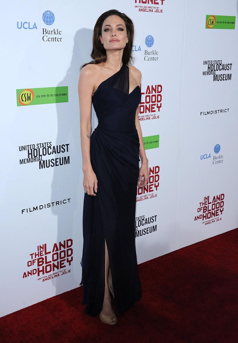 siyah elbise modeli angelina jolie - Angelina Jolie