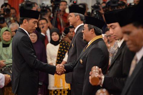 Dukung Penuh Koperasi, Gubernur Aher Terima Bintang Jasa Utama