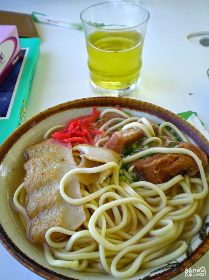 Miyako soba and jasmin tea / 宮古そばとさんぴん茶