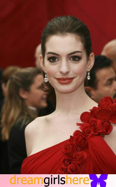 Anne Hathaway American Preety Host Anne+Hathaway-+5