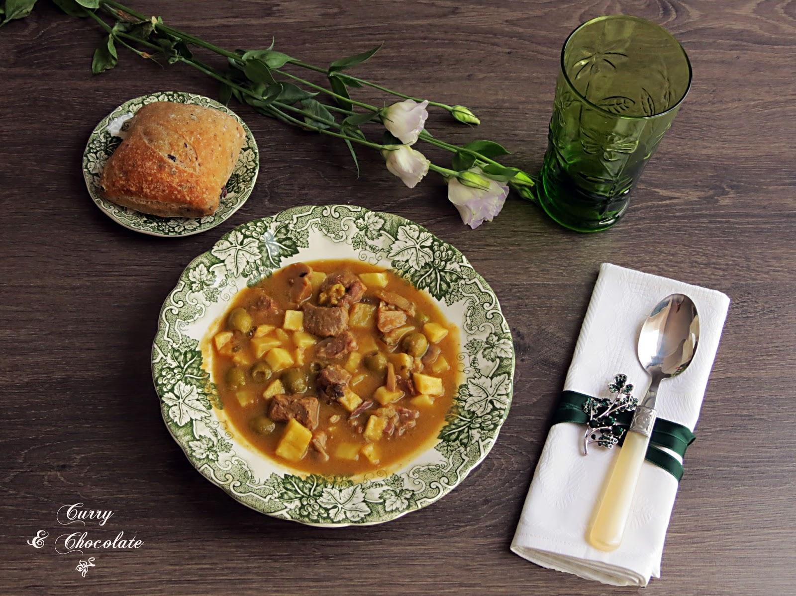 Estofado de ternera con aceitunas y patatas – Beef stew with potatoes and olives