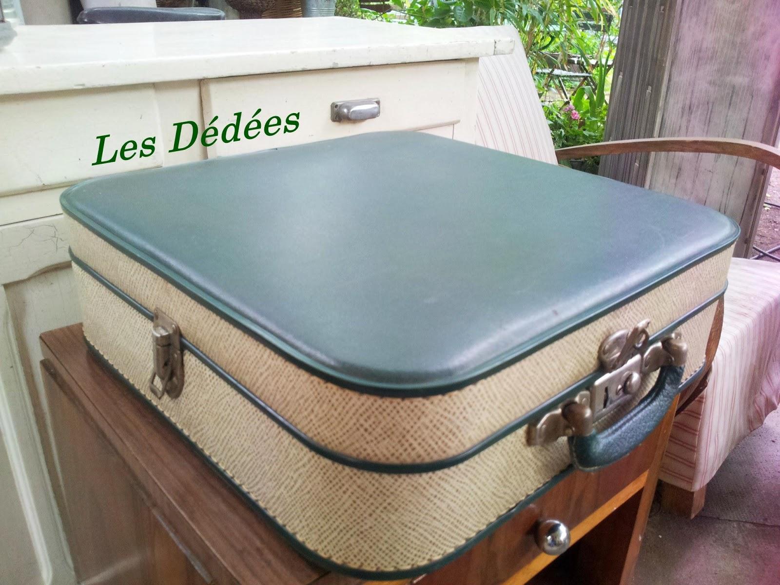 customiser valise ancienne ce nuest pas si tonnant si les voyageurs aiment cette valise de. Black Bedroom Furniture Sets. Home Design Ideas