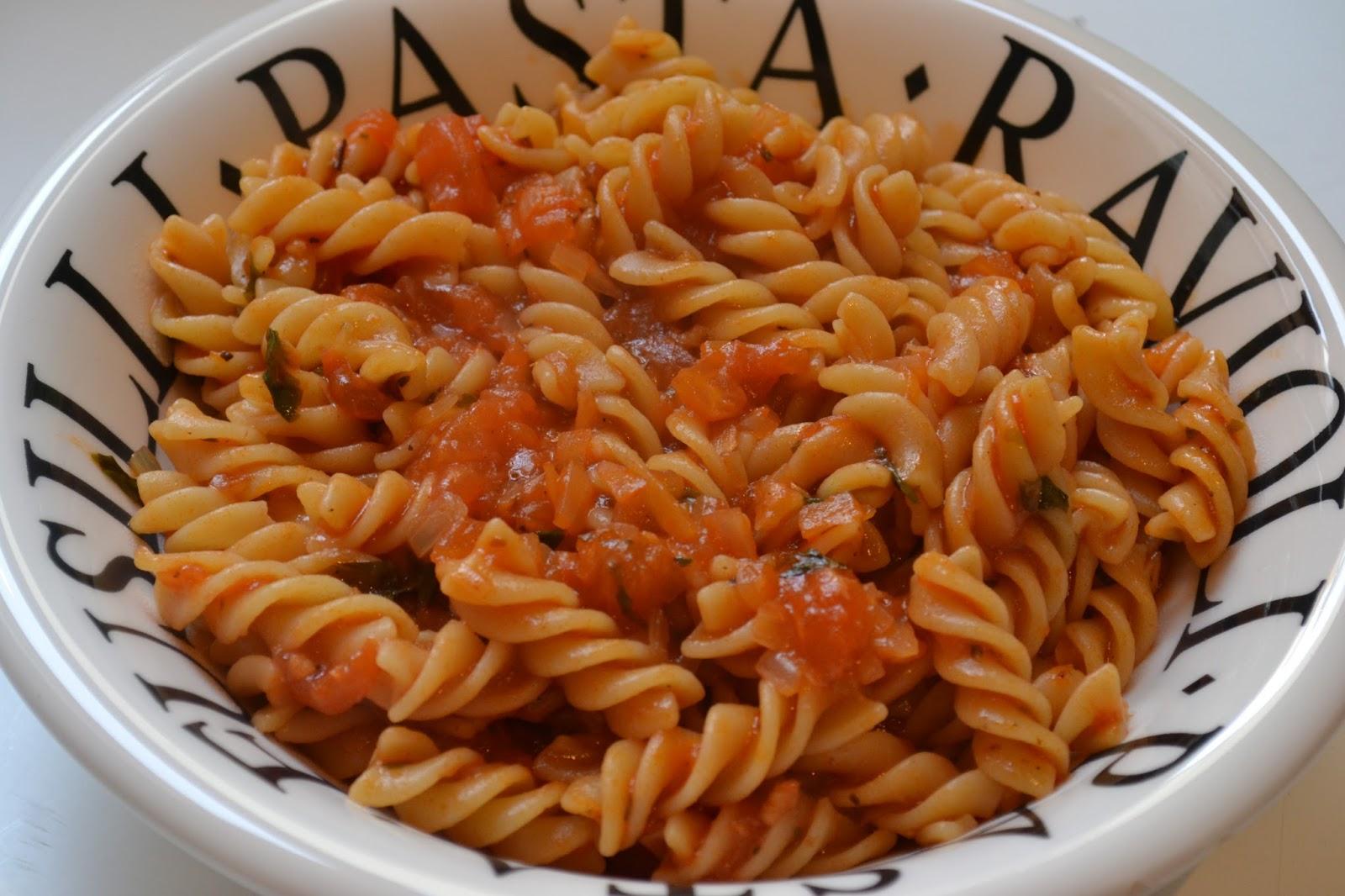 lili s cookbook p 226 tes sauce tomate basilic