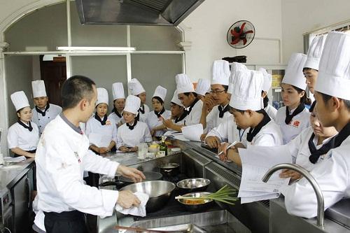 Học nấu ăn cơ bản