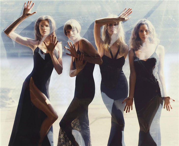 Supermodel handprints: Victoria's Secret Fashion Show 2004! Symphonyofsirensbysteve