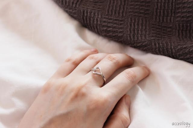 the peach box silver ring