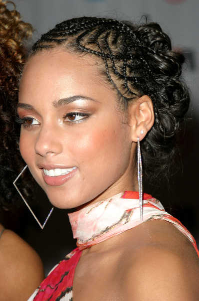 ... _hairstyles_alicia-keys-brunette-vibe-awards-braids-hairstyles.jpg