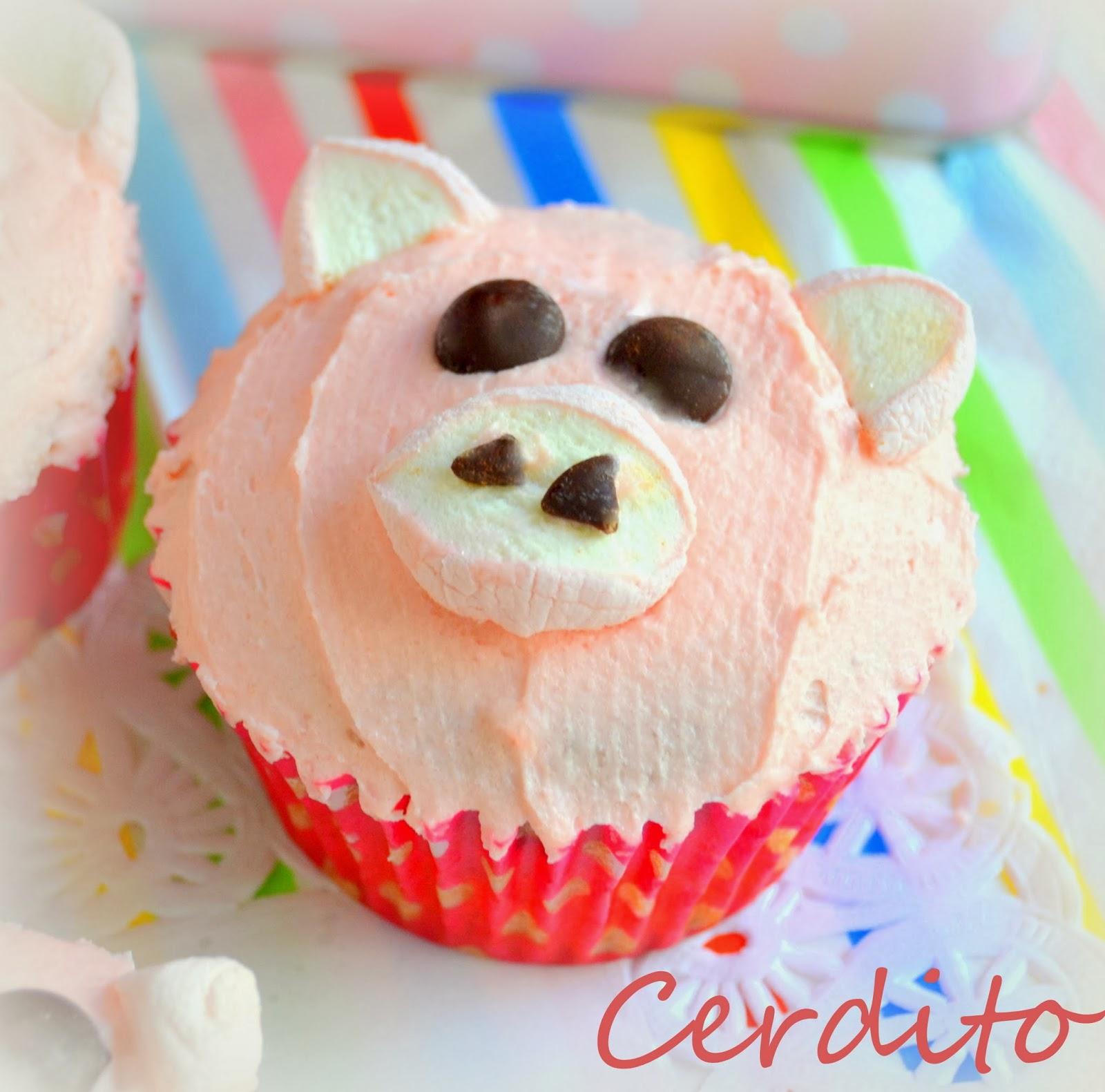 Cup cakes decoradas de animalitos gallinas cerditos y ovejas