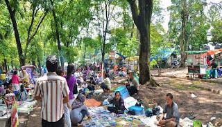 Hari Minggu di Taman Lansia