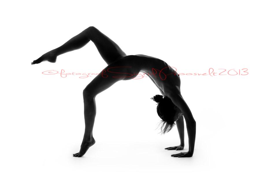 aktifoto-nõtke-modell-ilus-naine