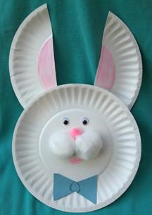 Cara de coelho feita em prato de papel