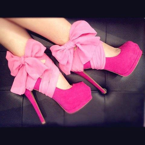 sapato  rosa  com  laço