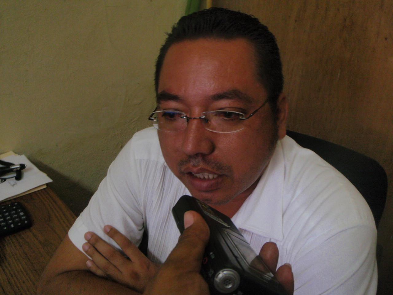 http://2.bp.blogspot.com/-b5iHglL6RA8/TtzPkdl-LrI/AAAAAAAAGAs/AEluKLcVKNQ/s1600/Hombres%2Bdel%2Bcampo%2Bya%2Btienen%2Bcandidato%2Ba%2Bla%2Bmunicipal%2Ben%2BPijijiapan.JPG