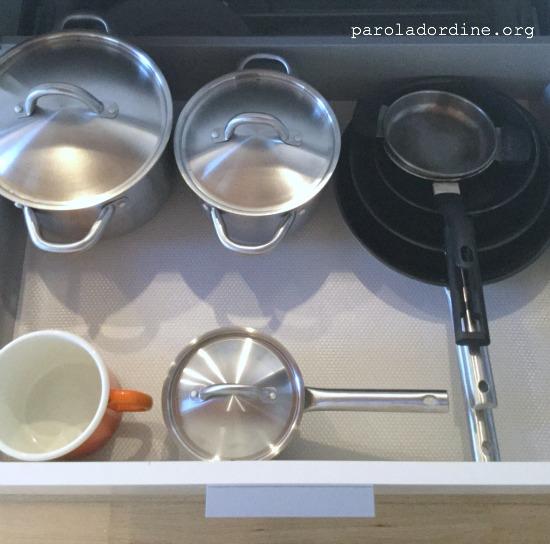 paroladordine-cucina-cassettone-pentole-padelle-dopo