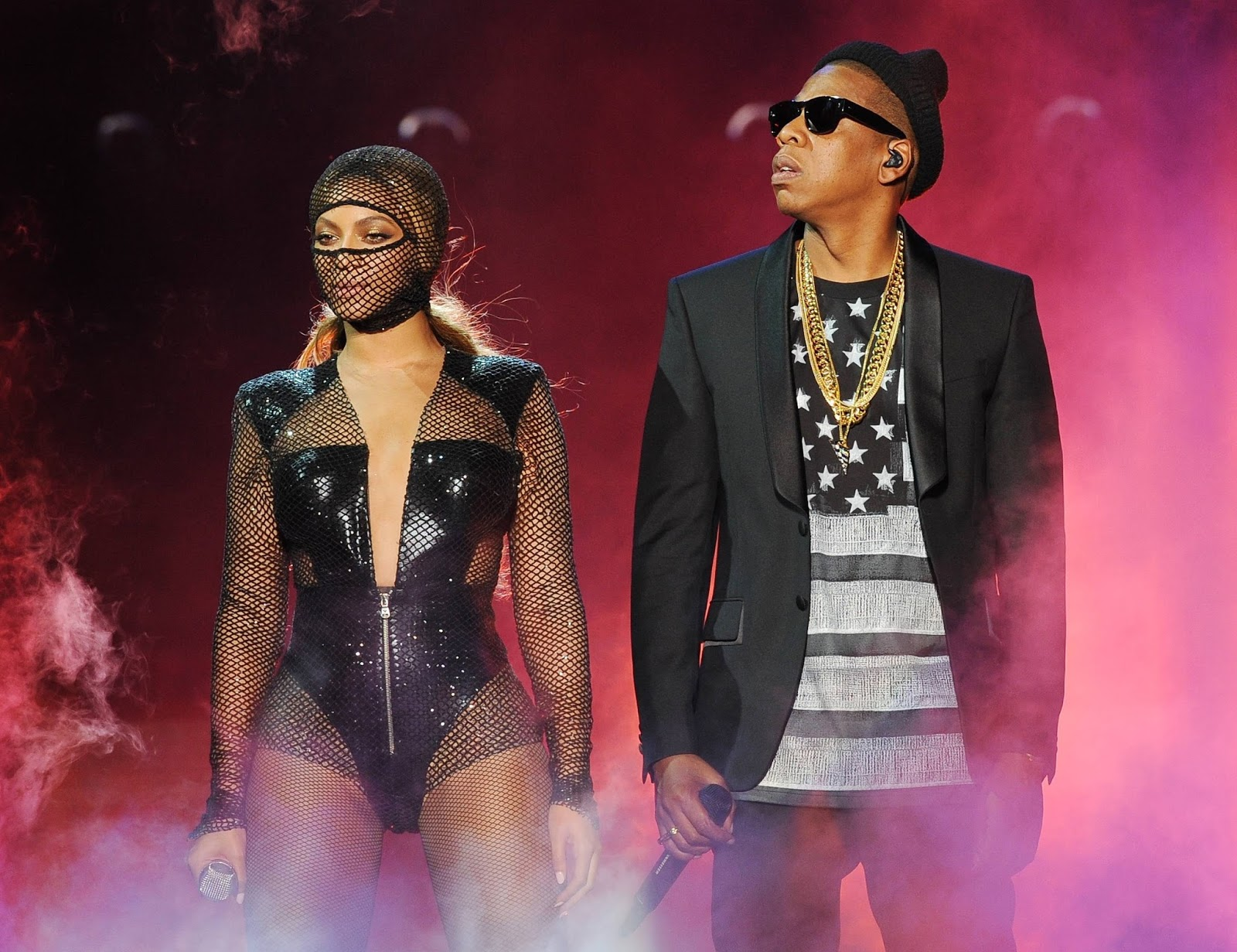 beyonce jayz kick off the 39 on the run 39 tour. Black Bedroom Furniture Sets. Home Design Ideas