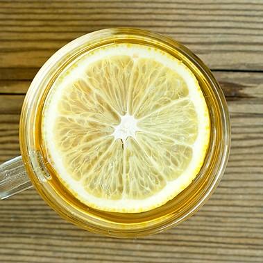 acqua e limone: salute e bellezza fin dal mattino