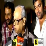 K Balachander With Thillu Mullu Team At SATHYAM Cinemas