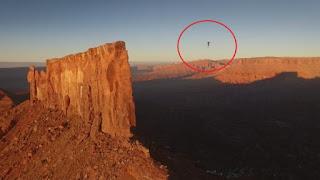Αδιανόητο επίτευγμα – Περπάτησε 500 μέτρα σε τεντωμένο σχοινί κάνοντας νέο ρεκόρ (Video)