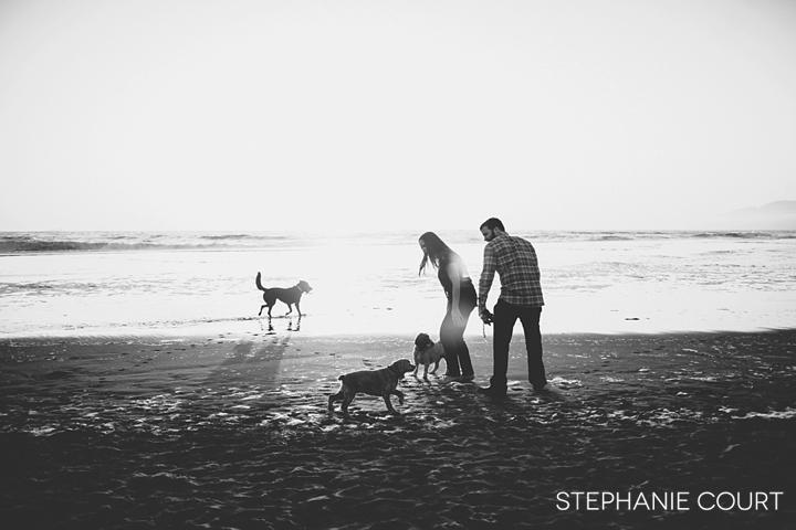 engagement photos at ocean beach