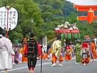 風流踊りは、江戸時代以降、盆踊りの原型にもなっているという。