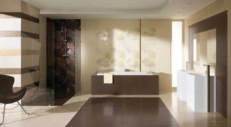 Baños Decorados Minimalistas:Baño minimalista decorado con azulejos en marrón y beige que crean