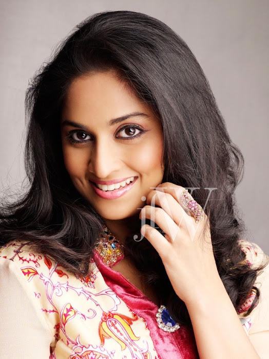 shalini ajith jfw actress pics