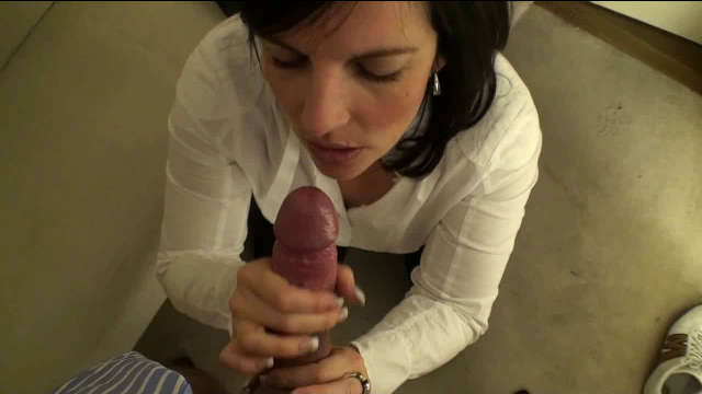 Handjob dressing room - sex with storyline