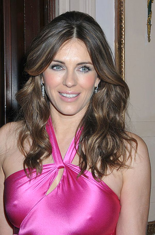 liz hurley wonder woman. Actress Elizabeth Hurley