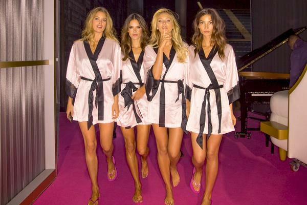 Alessandra Vs Fashion Show