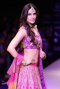 Kriti Sanon latest glamorous raml walk-thumbnail-16