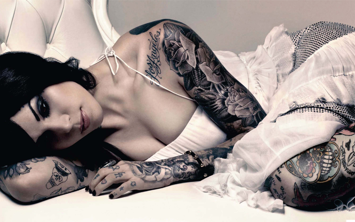 Kat von d wallpaper hot and sexy lingerie picture tattoo for How to get tattooed by kat von d