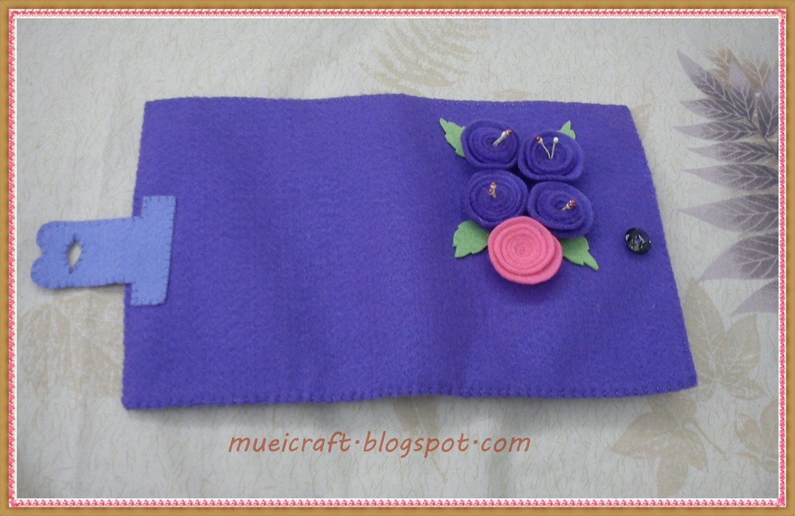 Untuk Sahabat Muei: Kreasi dompet dari kain Flanel (purple wallet)