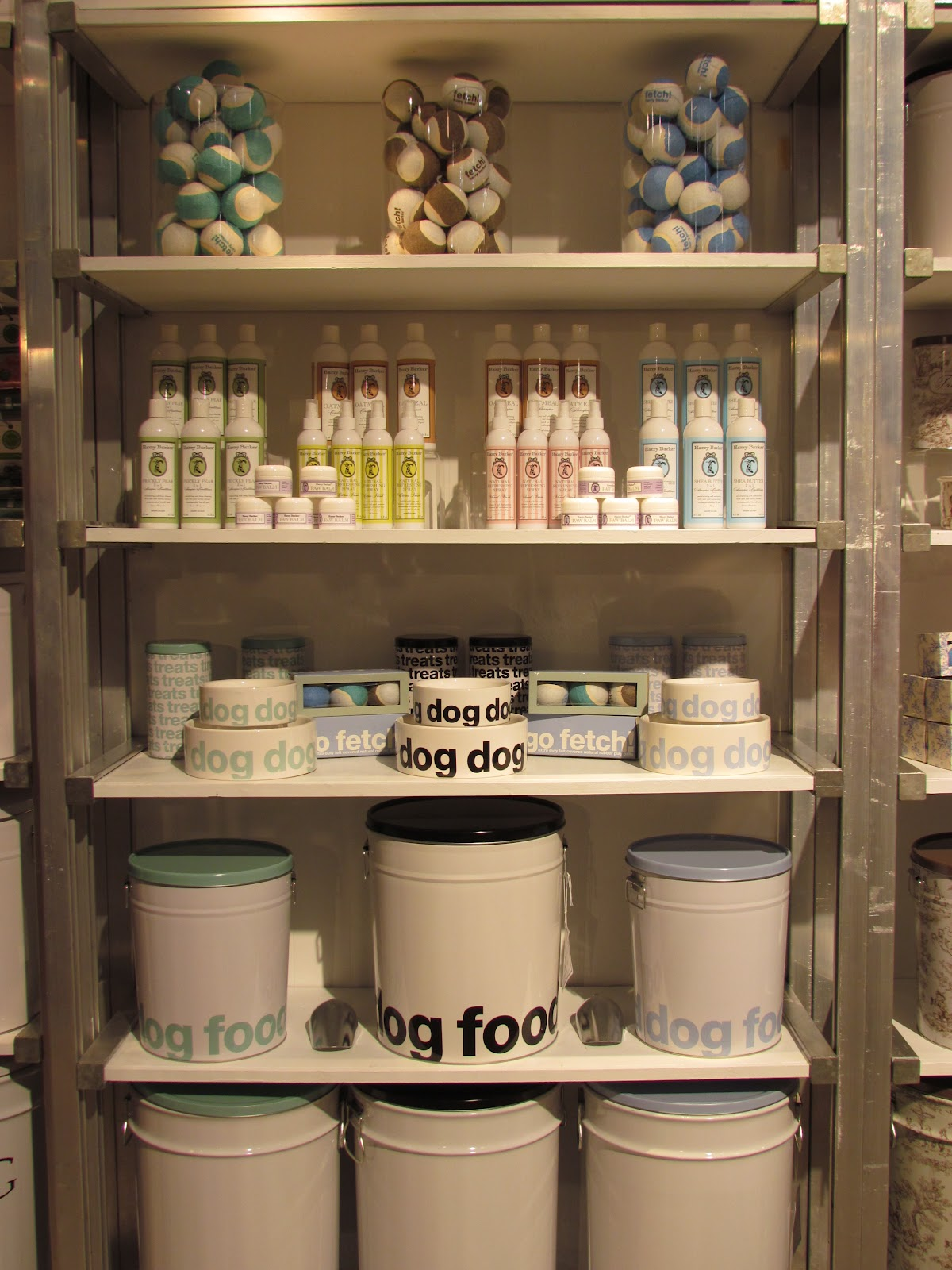 Etonnant Black And White, Great Graphics, And Simply Fitting For A Well Designed  Home To Have Design Conscious Dog Food Containers Like ...