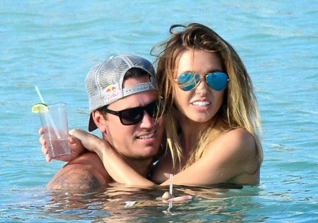 Audrina Patridge left a Hollywood coffee spot on Tuesday, May 6, 2014 by sipping a frothy iced beverage and looking delightful on a beach party at Puerto Aventuras, Mexico.