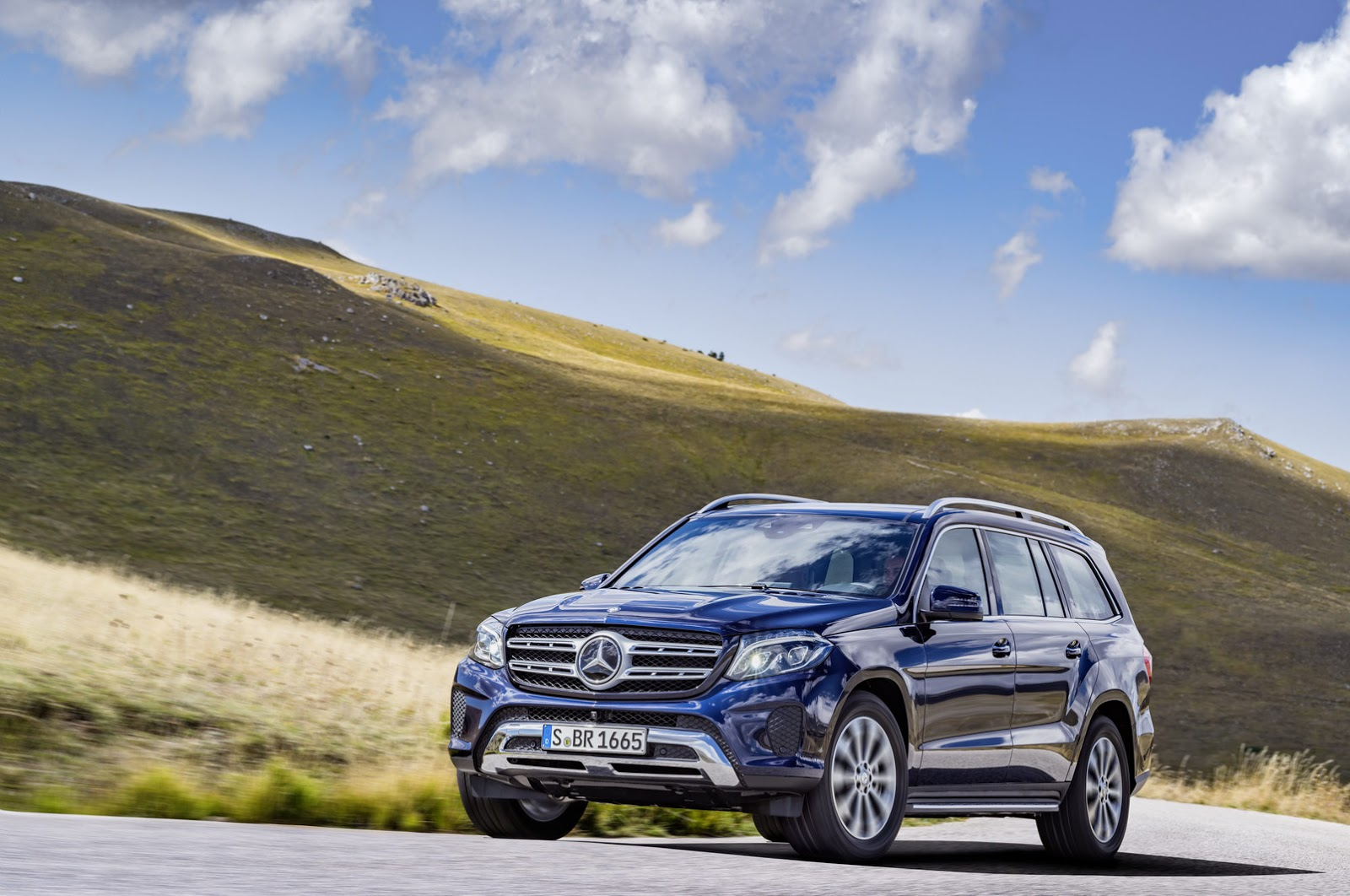 """All Types mercedes gls 2017 : Mercedes Turns GL Into 2017 GLS, Says It's The """"S-Class Of SUVs ..."""