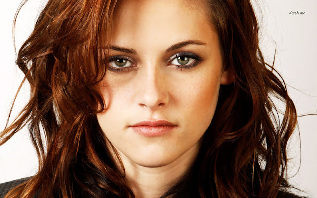 Kristen Stewart Biography and Photos
