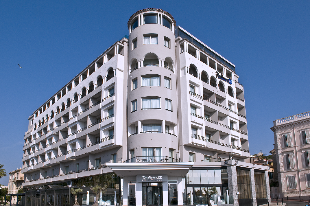 Radisson blu 1835 hotel thalasso cannes for Hotels cannes