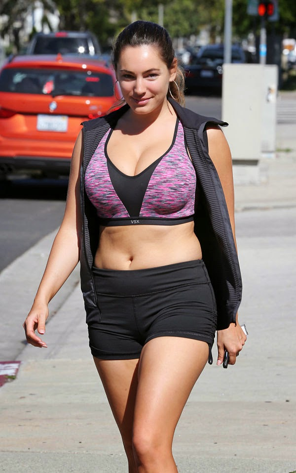 Kelly Brook leaving a Gym in L.A. photo 1